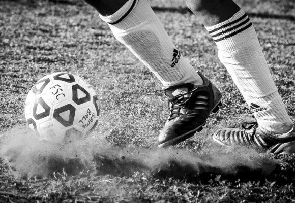 Zelená je tráva, fotbal je byznys