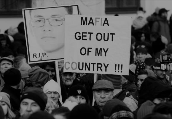 Zrozeny z chaosu: Jak mafie ovládly Slovensko