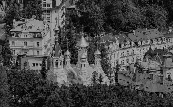 Ruské miliardy v Česku: pražské byty, servis tryskáčů, křišťálové lustry