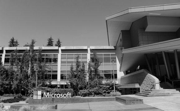 Microsoft zaplatí stamilionovou pokutu americkým úřadům, maďarská pobočka uplácela státní úředníky