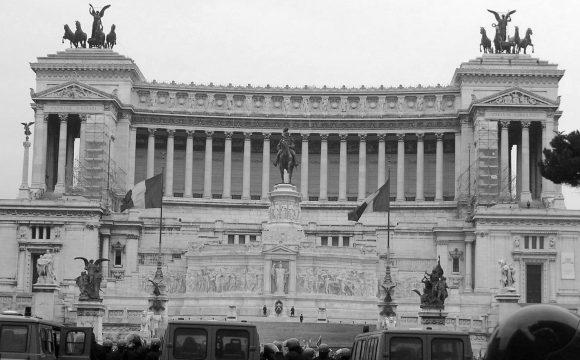 Italská policie stále rozplétá napojení mafie na hazard, které sahá až do Česka