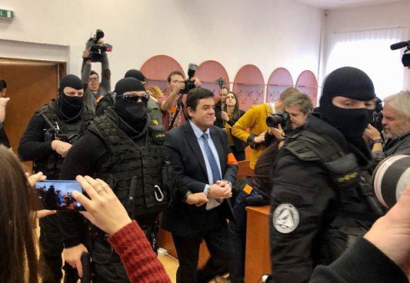 První den soudu s údajnými vrahy Kuciaka: Marček se přiznal k vraždě, Kočner odmítl vypovídat