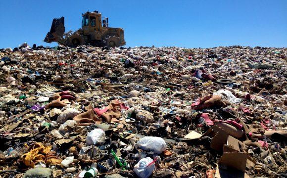 Smrad za všechny prachy: Putinova klika profituje z odpadního byznysu v Rusku