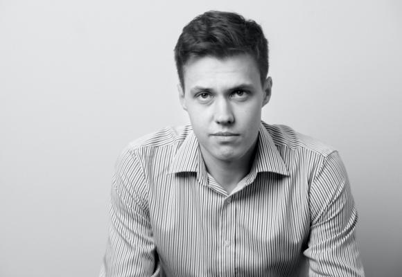 Ruský novinář Roman Anin: Během protestů policie na právo kašlala