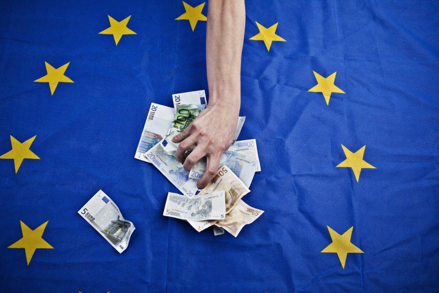EU proti špinavým penězům