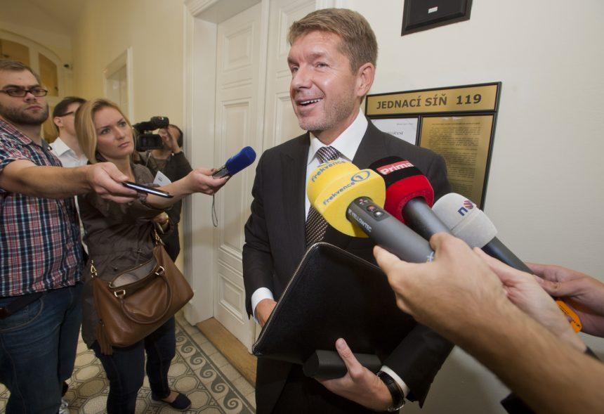 """Mezinárodně stíhaný oligarcha a """"pokladník SMERu"""" Výboh investuje v Česku"""