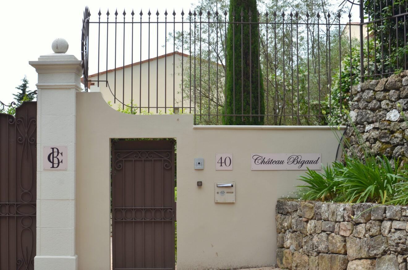 Letní sídlo manželů Babišových Chateau Bigaud. Foto: Zuzana Šotová